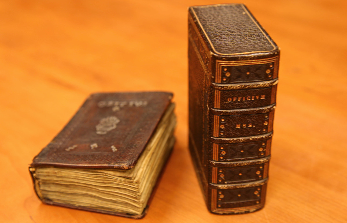 Liege Book of Hours alongside eighteenth century case