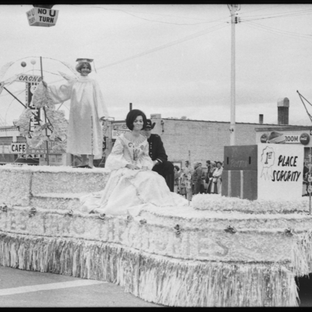 First place sorority float, 1965