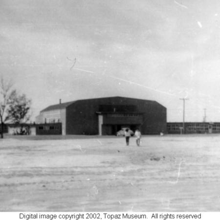 Sekerak_High_school_gymnasium_at_Topaz.jpg