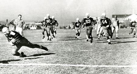Kent Ryan scoring a touchdown, 1937