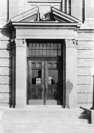 Merrill Library north main entrance, 1930s