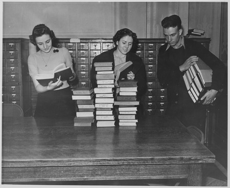 Phyllis Taylor and Reva Hallinsphere, Merrill Library, 1938