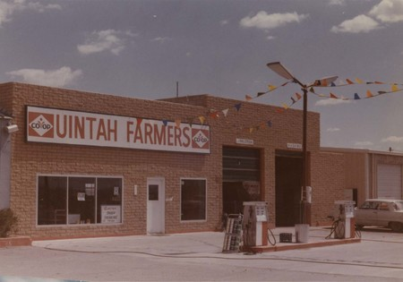 Front view of the Uintah Farmers Co-op;
